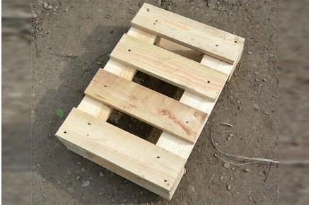 Поддон деревянный новый 400х600 2 сорт строганный