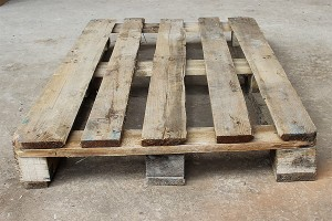 Поддон деревянный БУ 1200х800мм г/п 1500кг 2 сорт